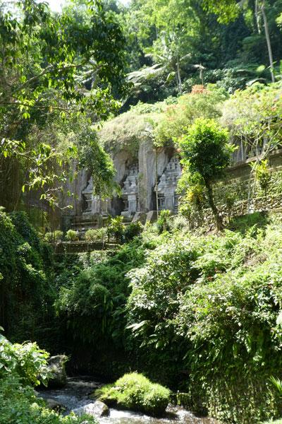Le temple Gunung Kawi dans un décor de Tomb Raider