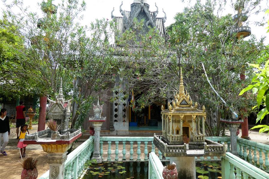 Petit jardin dans un temple