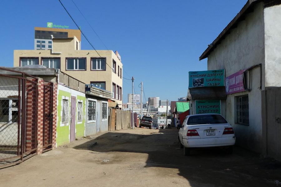 Les rues terreuses en pleine capitale
