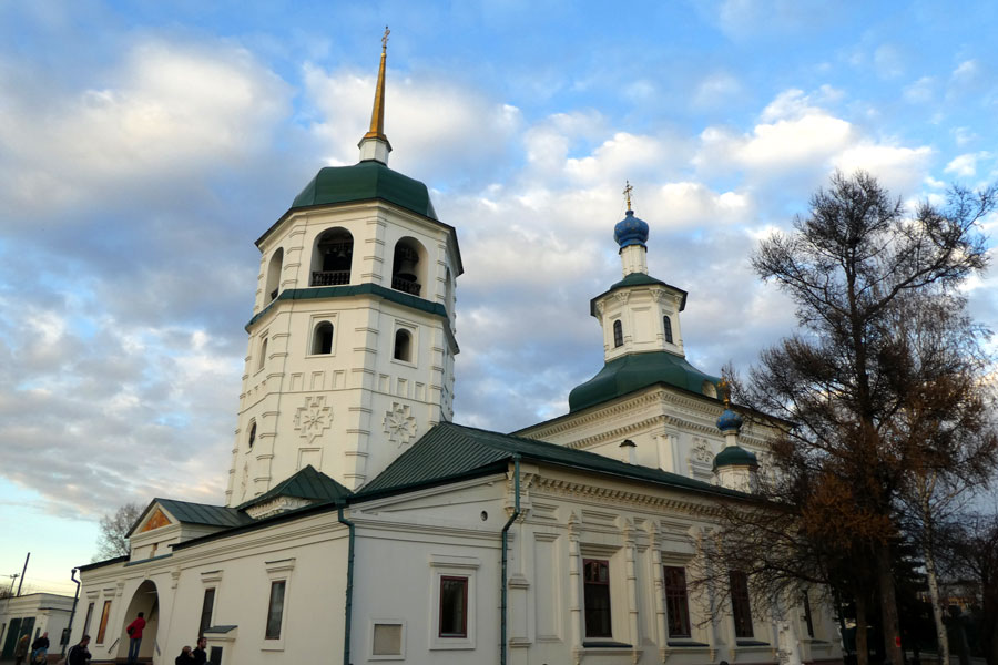 Le monastère Znamensky à Irkutsk